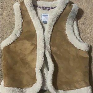 Old Navy Sherpa Vest size Large 10/12